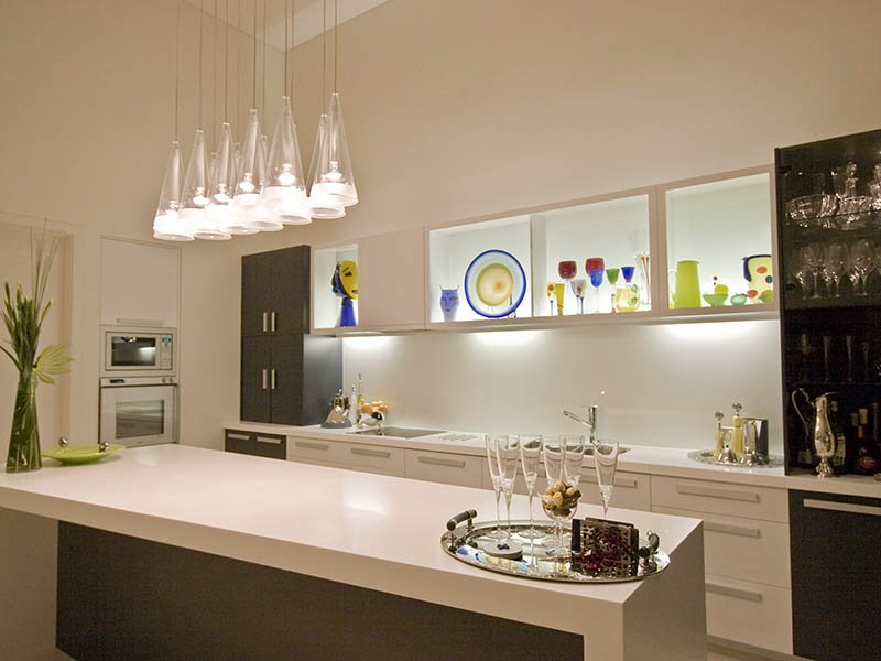 Lighting spaced interior design ideas photos and for Contemporary kitchen pendant lighting