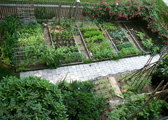 Backyard Raised Vegetable Garden Design : More design ideas in Backyard , Garden , Raised Garden Bed